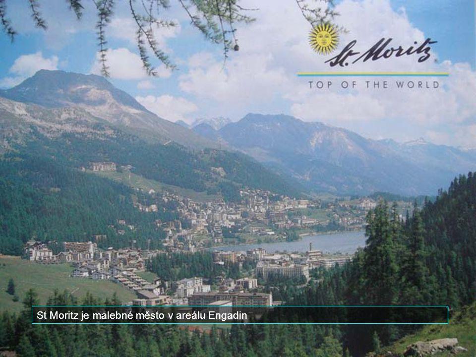 Je jednou ze stanicí vysokohorské železnice kterou jezdí proslulý Glacierexpres.