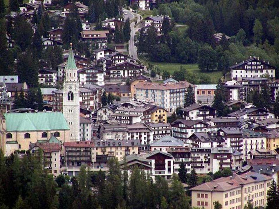 Cortina d'Ampezzo je jedno z nejznámějších horských středisek