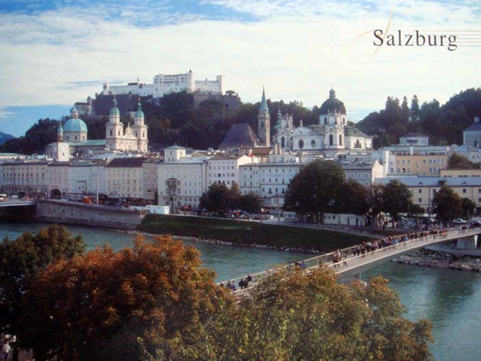 Je to čtvrté největší město v Rakousku a hlavní město spolkové země Salcbursko. Má jedno z nejlépe zachovalých barokních městských center na světě a p