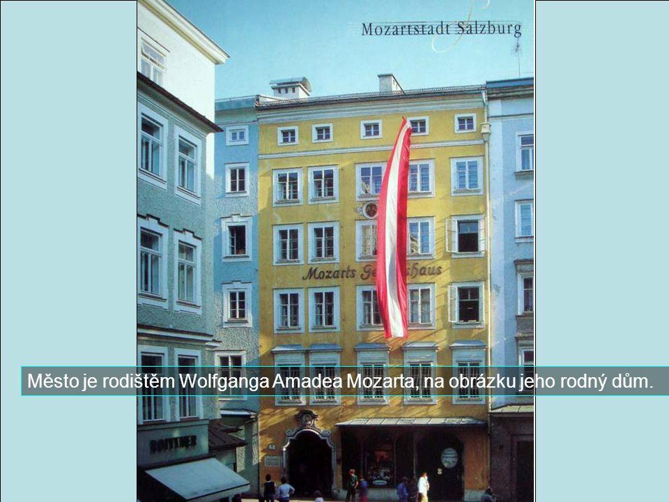 Známá ulice Getredegasse v nejslavněější středověké čtvrti.