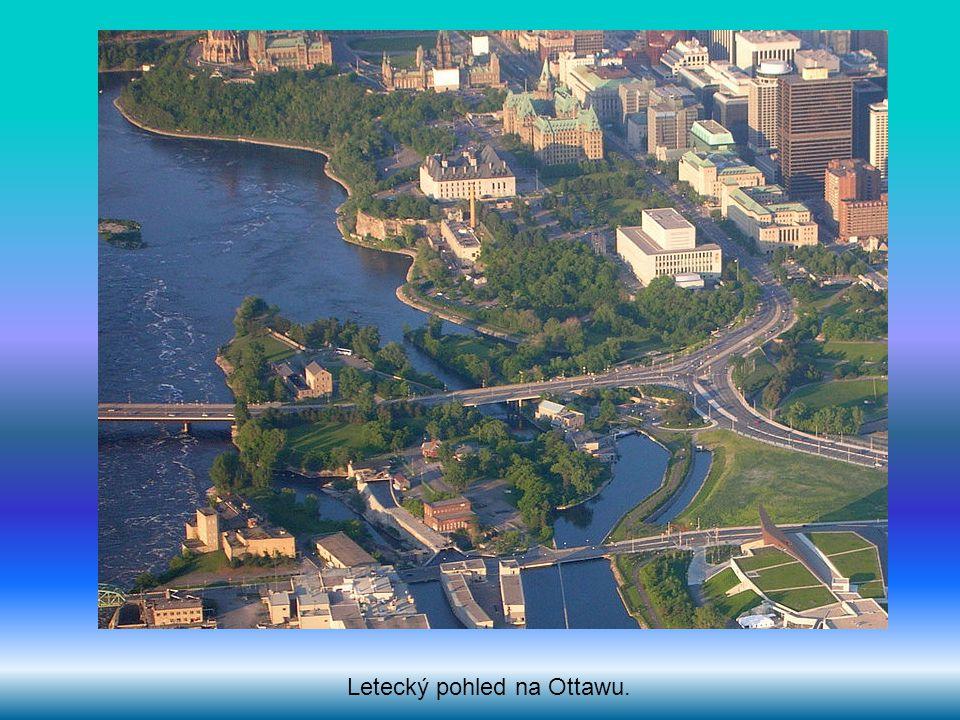 Letecký pohled na Ottawu.