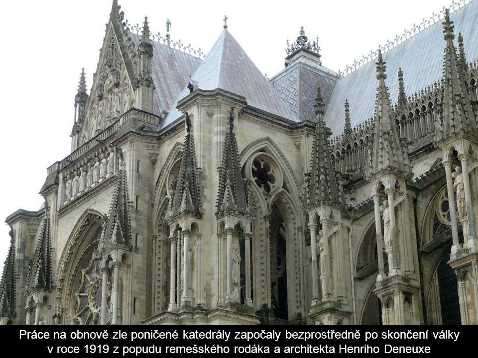 V roce 1421 zničil požár střechu katedrály, další pohromou pro remešský chrám se pak stalo dělostřelecké ostřelování za 1. světové války