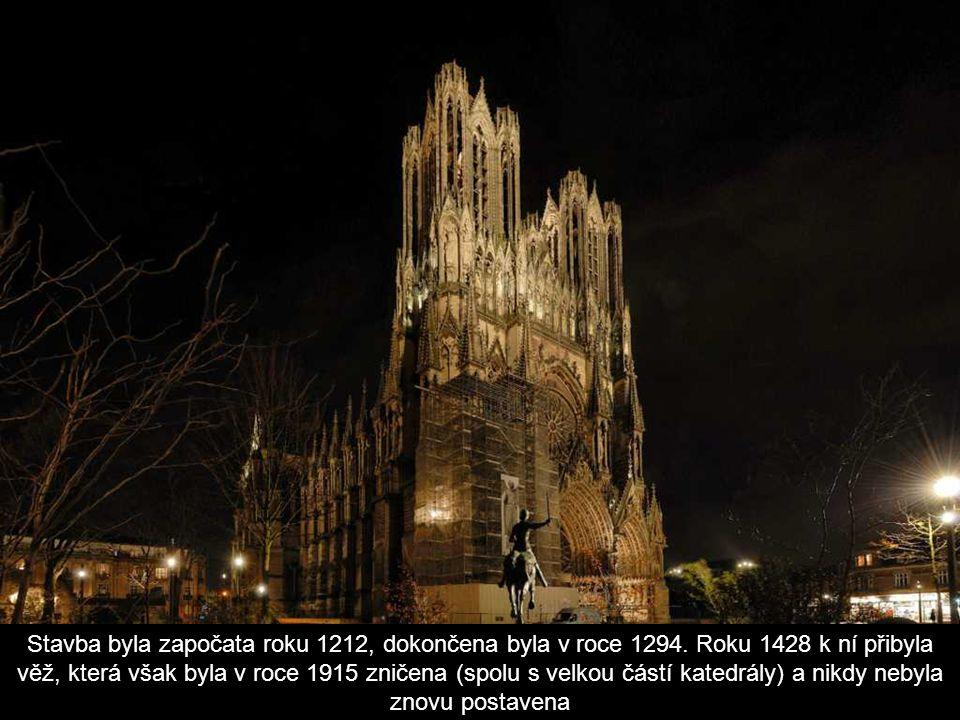 Stavba byla započata roku 1212, dokončena byla v roce 1294.