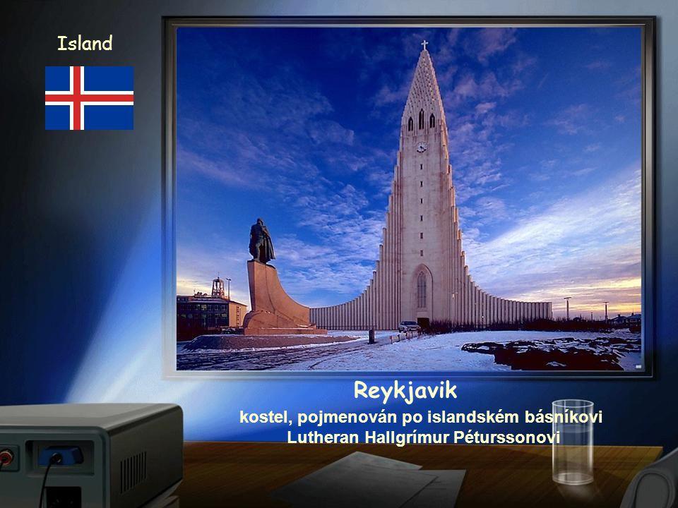 Island Reykjavik budova parlamentu a katedrála z 18. stol.