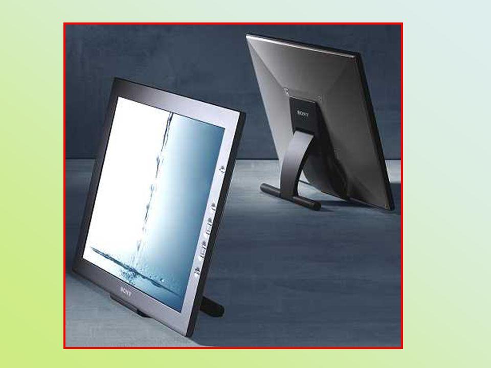 - stále častěji i u stolních počítačů, 1960, zavedeno po 11 letech - velikost, lepší ergonomie, teplo, elektromagnetické záření, rozměry, menší spotřeba, dokonalá geometrie a stabilita obrazu, cena, úhel pohledu, zmetkovitost, ostrý obraz po celé ploše, otočný kloub, digitální (analogové rozhraní) - 15 - 1024 x 768, 17 - 1280 x 1024, interpolace - tři způsoby zobrazení: reflexní, transmisivní (boční nebo zadní světlo, emitující dioda LED, fluorescenční se studenou katodou CCF), transreflexní - kapalné krystaly v nematické fázi - obnovovací frekvence nehraje tak důležitou roli, obraz je sta- bilní i při 60 Hz LCD displeje (Liquid Crystal Display)