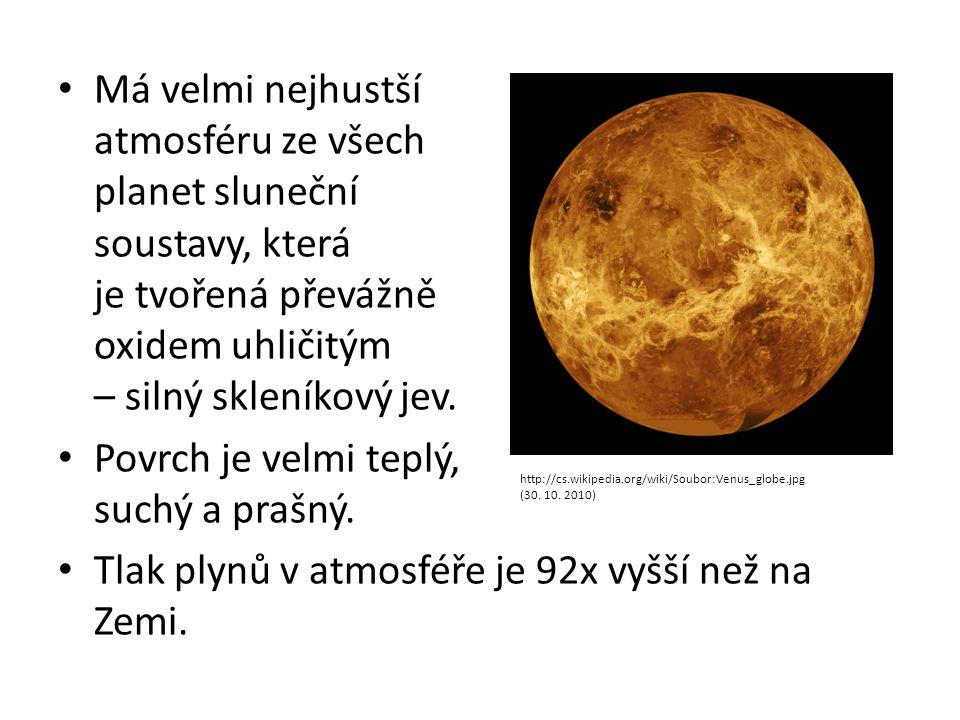 Má velmi nejhustší atmosféru ze všech planet sluneční soustavy, která je tvořená převážně oxidem uhličitým – silný skleníkový jev. Povrch je velmi tep