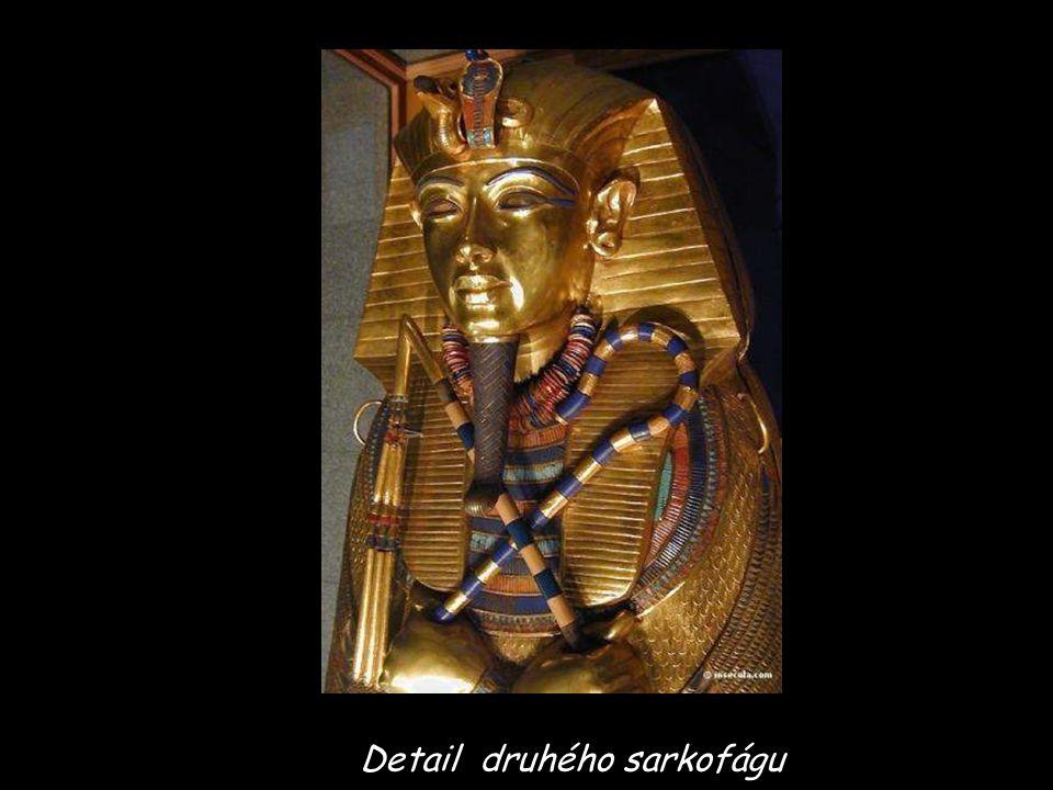 Detail druhého sarkofágu
