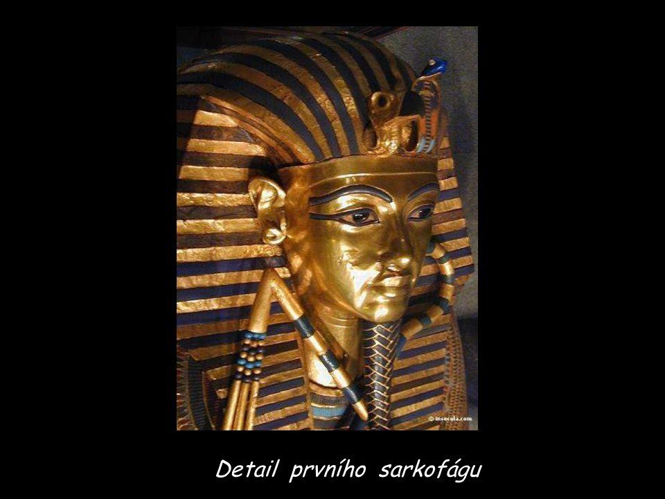 Detail prvního sarkofágu