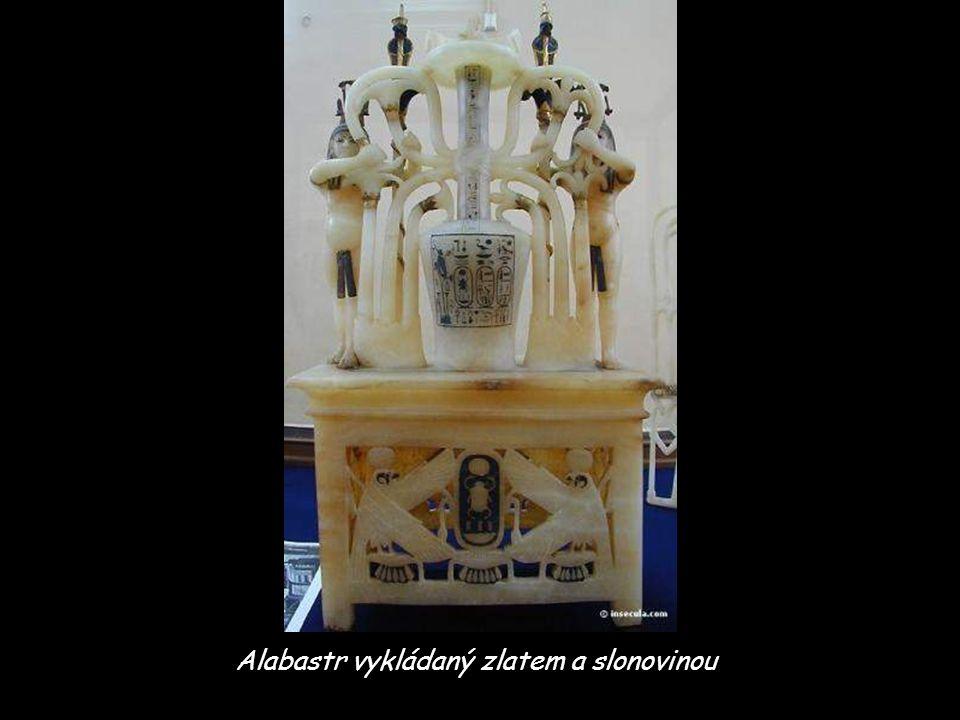 Alabastr vykládaný zlatem a slonovinou