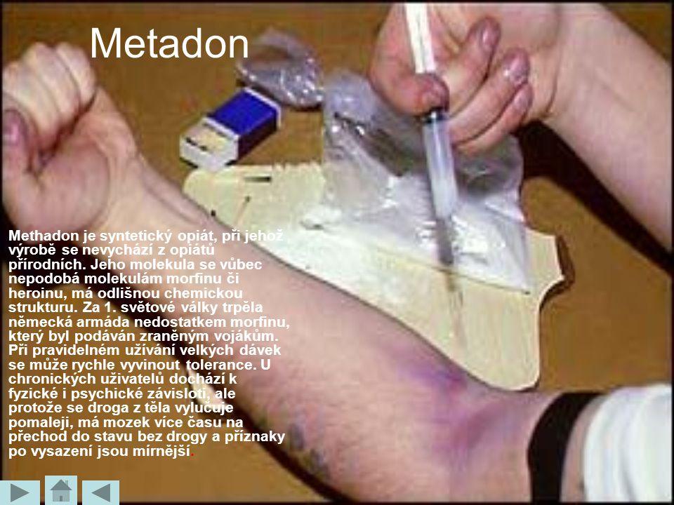Metadon Methadon je syntetický opiát, při jehož výrobě se nevychází z opiátů přírodních. Jeho molekula se vůbec nepodobá molekulám morfinu či heroinu,