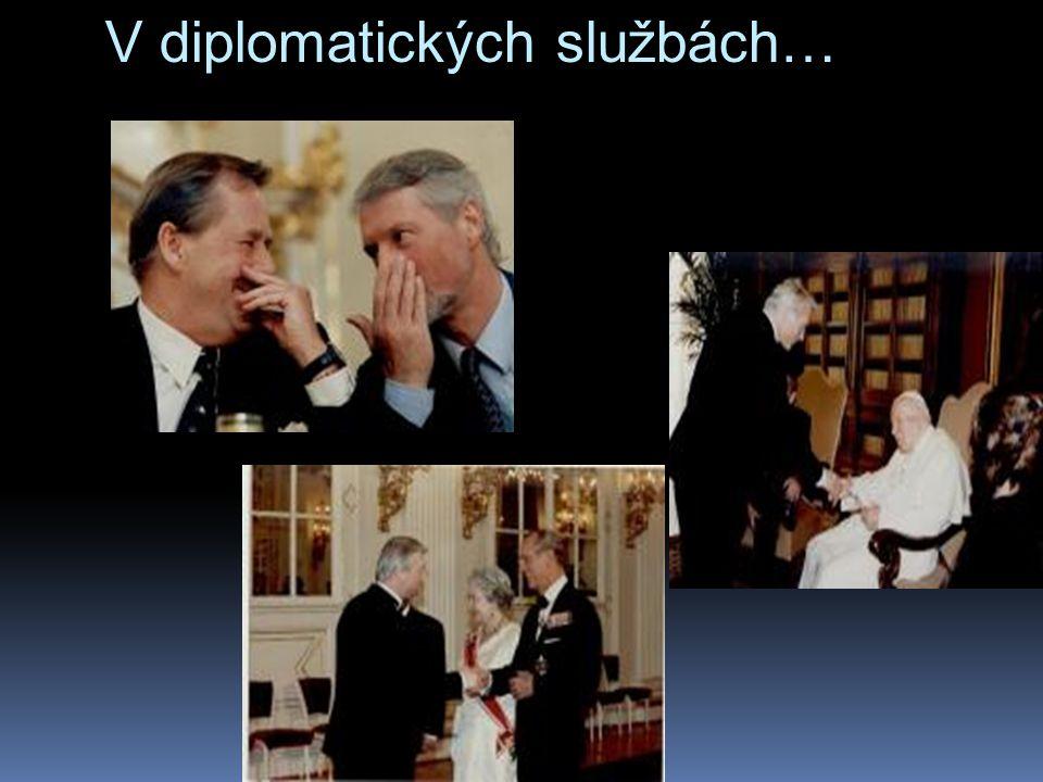 V diplomatických službách…  z tiskovky