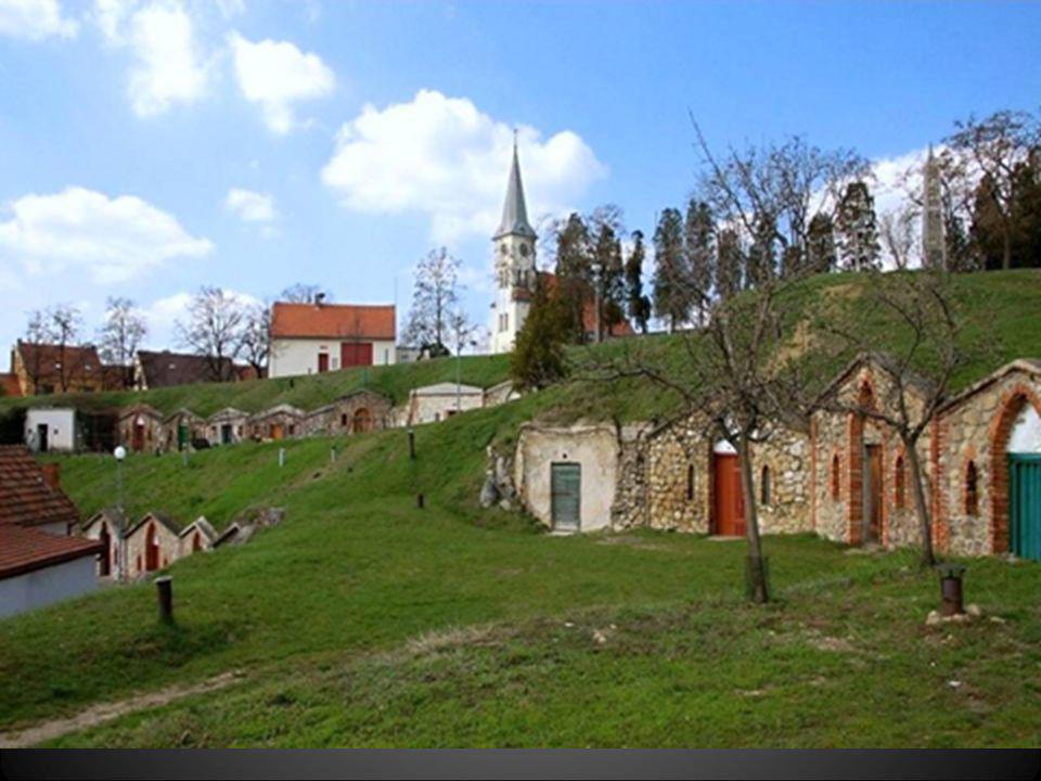 Snímek pořízen před opravou kostela
