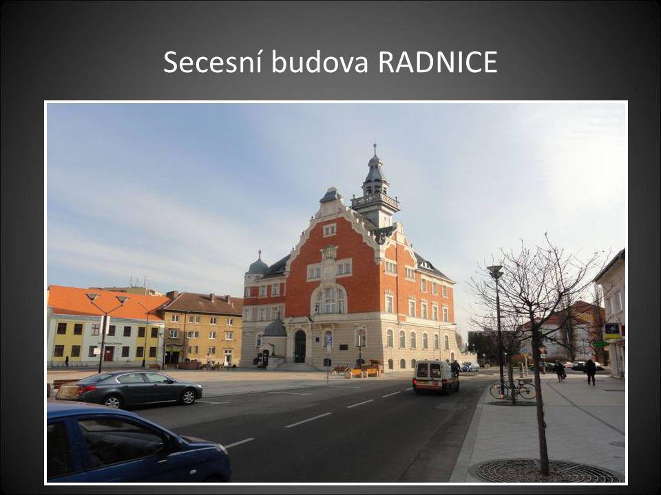 Masarykovo náměstí a kostel sv. Vavřince