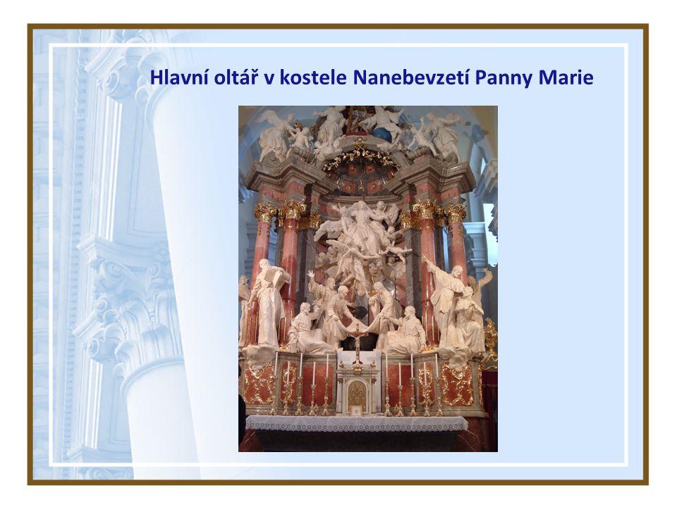 Hlavní oltář v kostele Nanebevzetí Panny Marie