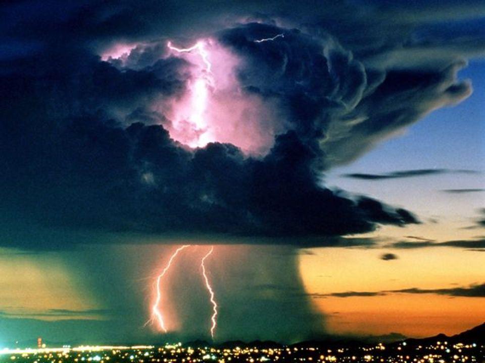 Le ciel électrique… Nebe nabité elektřinou… …