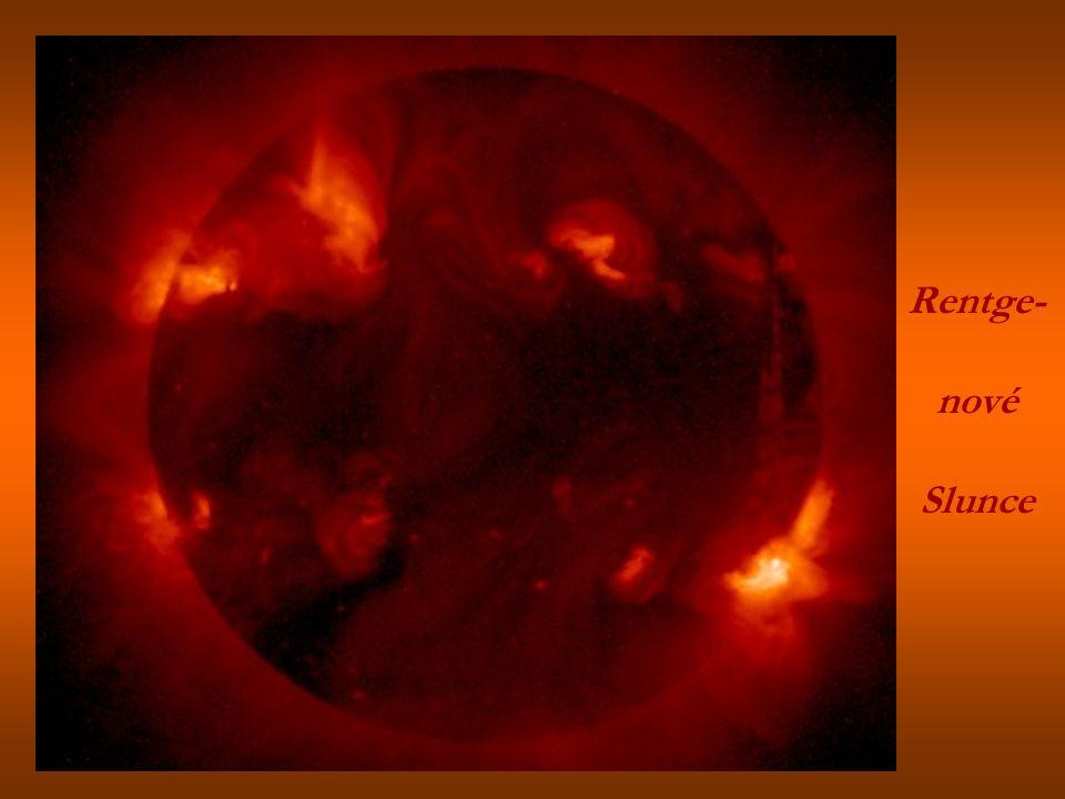 Povrch Slunce a planeta Merkur Slunečnízatmění