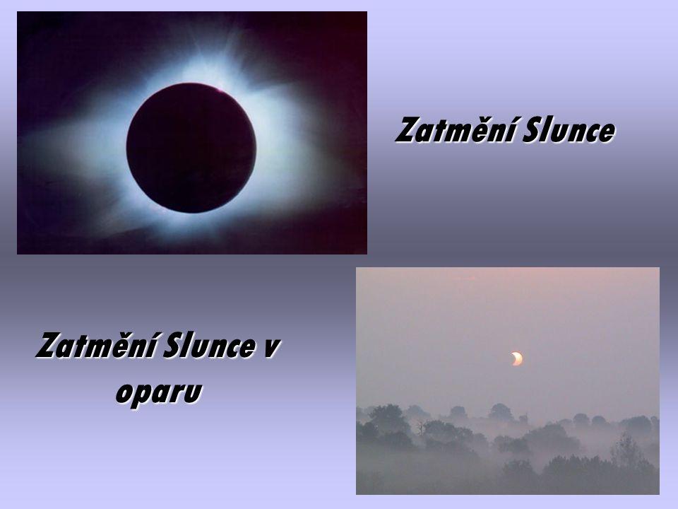 Falešná Slunce (pravé Slunce je to ve středu obrázku nad kolejemi)