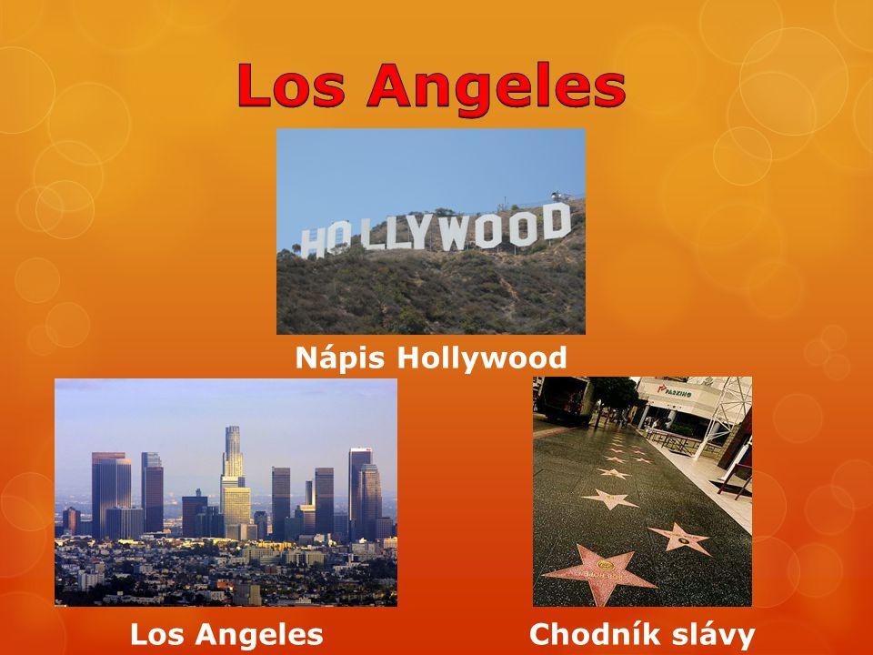 Nápis Hollywood Los AngelesChodník slávy