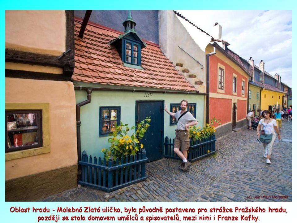 Chrám sv. Víta na nádvoří Pražského hradu.