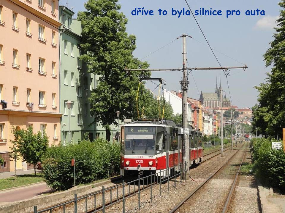 Měnínská Brána na ulici Orlí