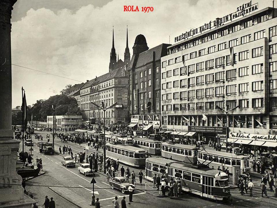pohled do ulice Kobližná, kde před několika lety jezdily tramvaje...