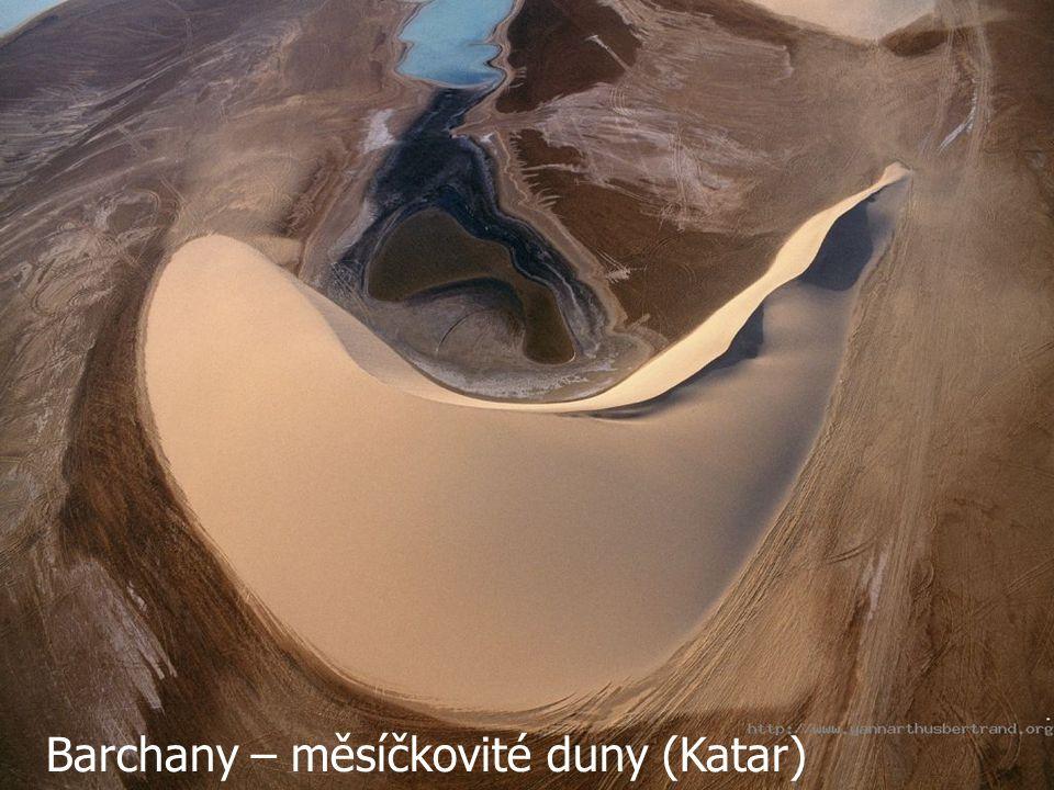 Barchany – měsíčkovité duny (Katar)