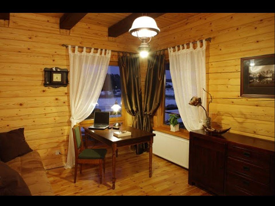 Stavba každého domu se povoluje na základě přísných kritérií, především jsou preferovány přírodní materiály.