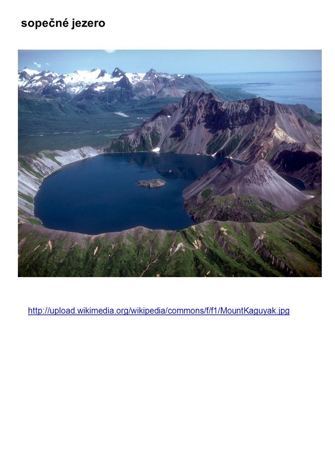 sopečné jezero http://upload.wikimedia.org/wikipedia/commons/f/f1/MountKaguyak.jpg