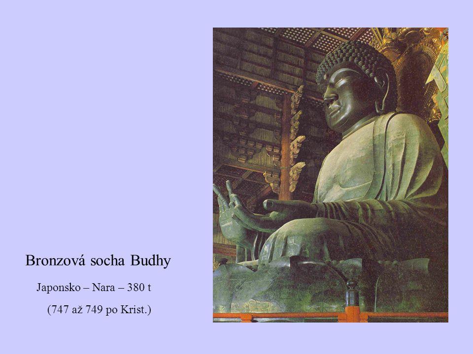 Japonsko – Nara – 380 t (747 až 749 po Krist.) Bronzová socha Budhy