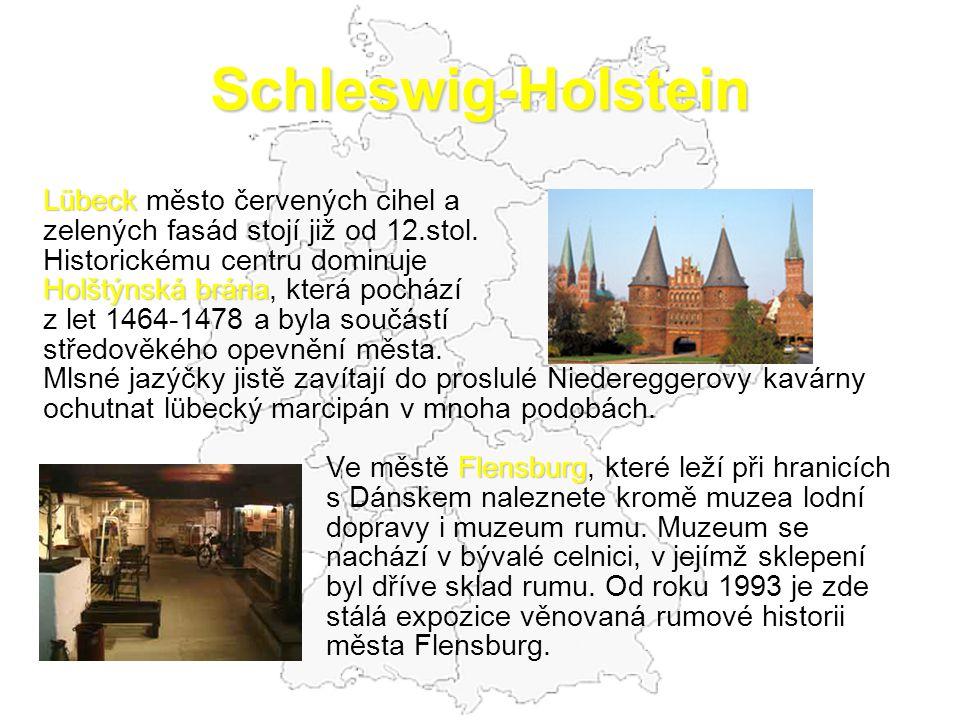 Schleswig-Holstein Lübeck Lübeck město červených cihel a zelených fasád stojí již od 12.stol.