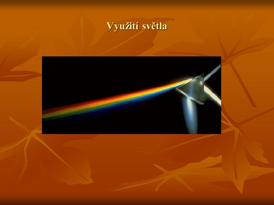 Světelné zdroje Světelný zdroj je elektromagnetické záření v rozsahu vlnových délek zhruba 380-780nm.To to záření můžeme pozorovat lidským okem jako viditelné svělo.