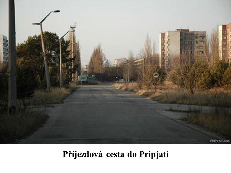 Příjezdová cesta do Pripjati