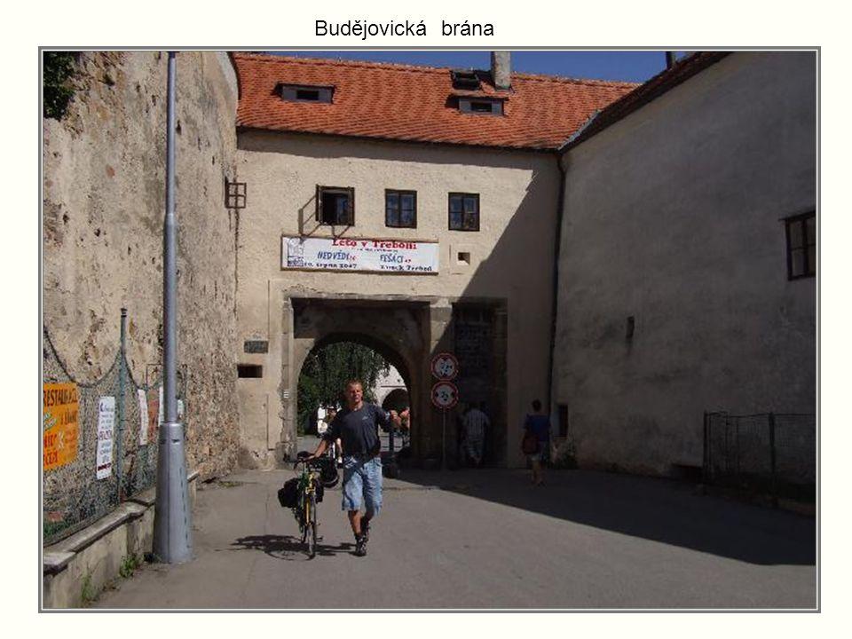 Brána do bývalého kláštera