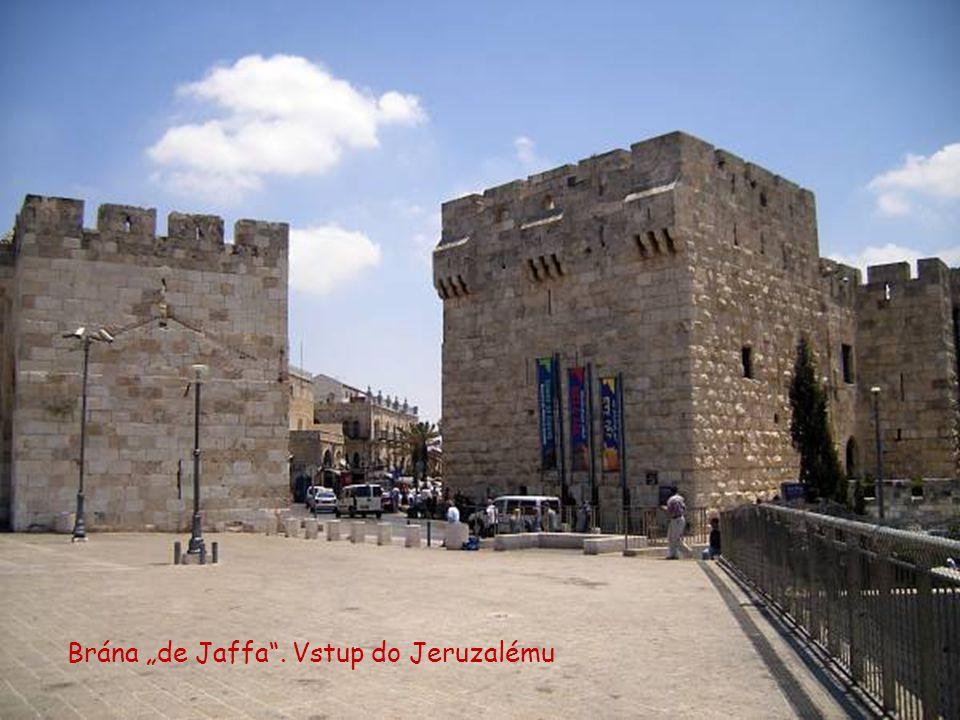 Meruňková (Damasco) brána – Jeruzalém (foto z roku 1900).