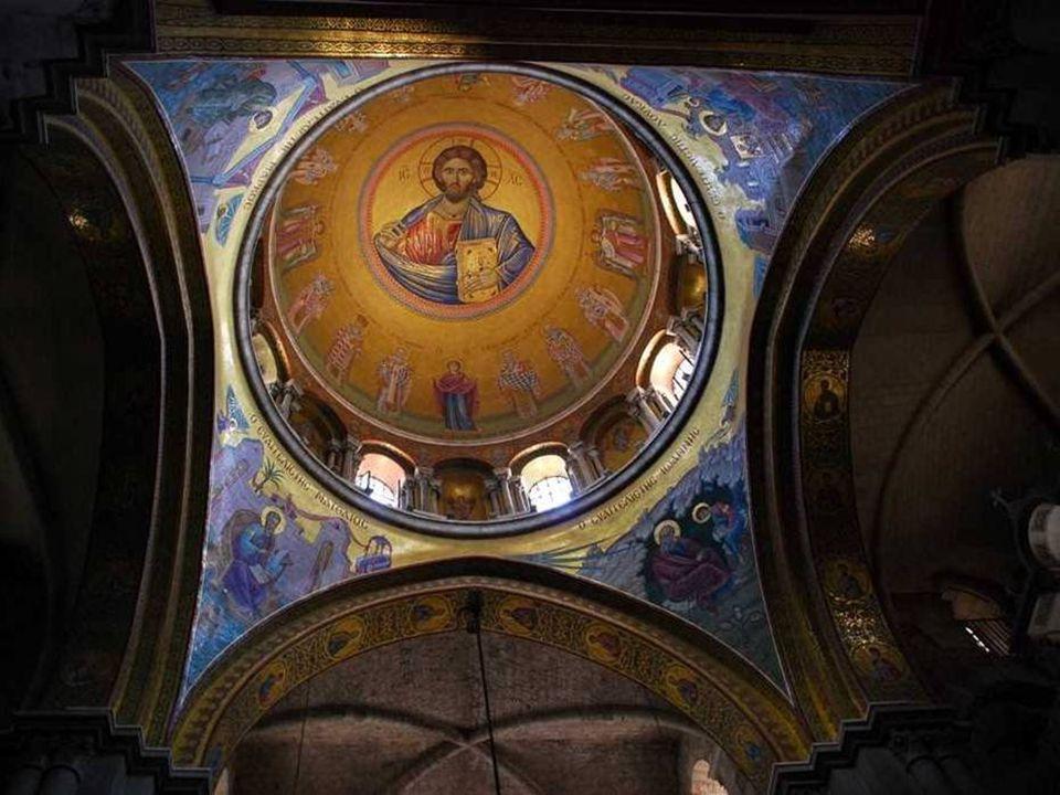Interier kostela Sv. hrobu