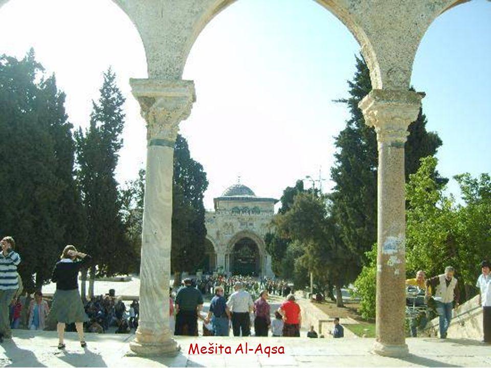 Vchod do mešity Al-Aqsa