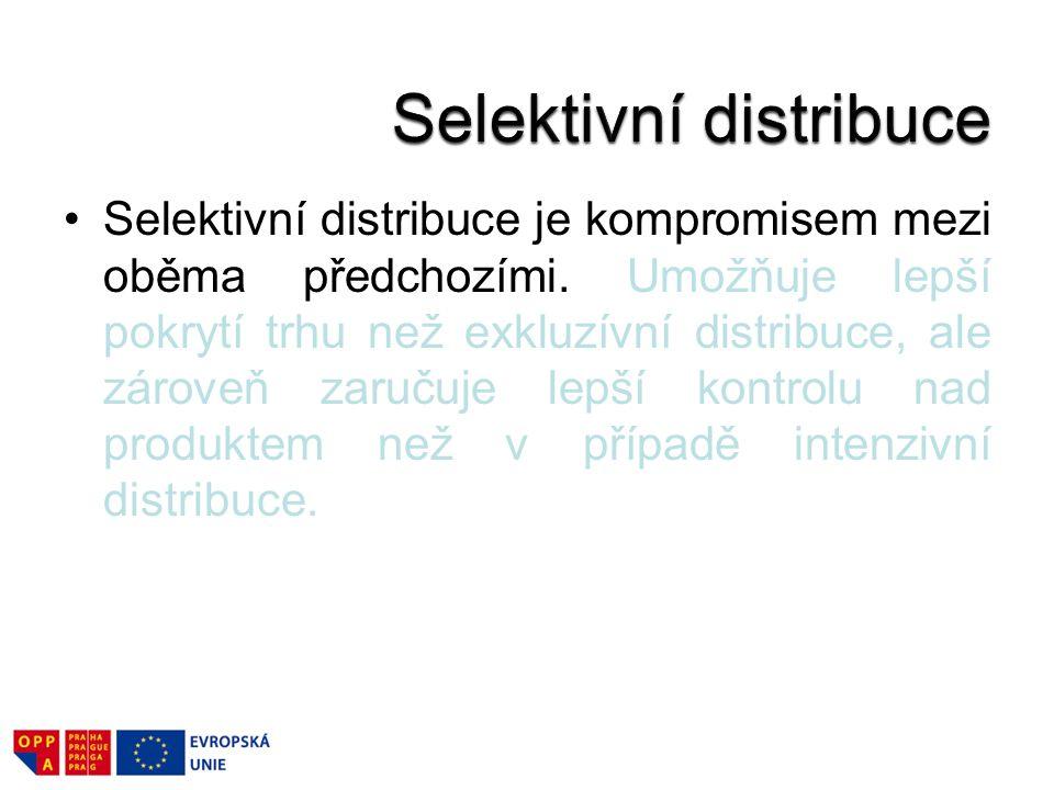 Selektivní distribuce je kompromisem mezi oběma předchozími. Umožňuje lepší pokrytí trhu než exkluzívní distribuce, ale zároveň zaručuje lepší kontrol