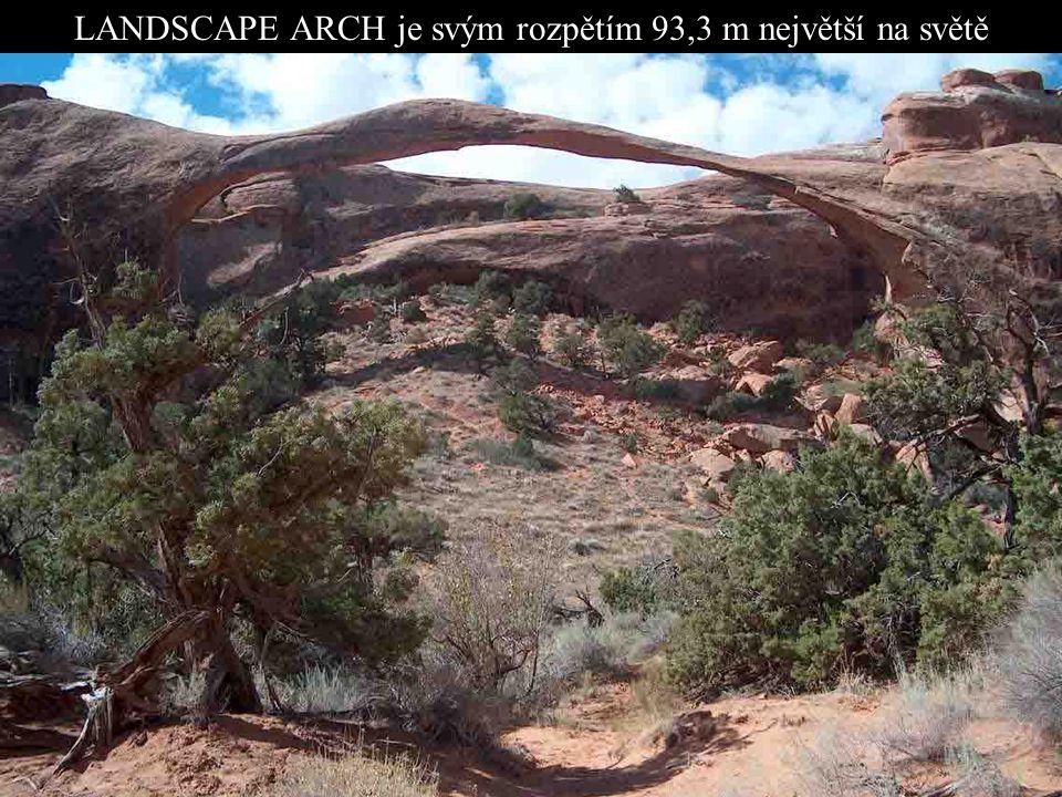 NP ARCHES NATIONAL PARK - Utah DVOJITÝ OBLOUK Park v jihovýchodním Utahu je místem s největší koncentrací kamenných oblouků na světě. Stamilióny let t