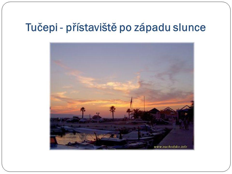 Tučepi - přístaviště po západu slunce