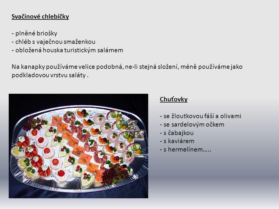 SLOŽITÉ SALÁTY Příprava složitých salátů je většinou náročnější jak na suroviny tak na čas, jsou tedy surovinově bohatší a na jejich přípravu se často používá tepelně předpřipravených surovin (pečená a vařená masa, zelenina těstoviny), jsou spojeny majonézou nebo různými marinádami.
