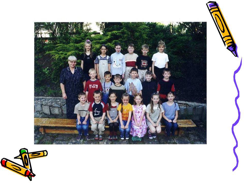 Už nejsme nováčci, třetí Á Ve třetí třídě mezi nás přišlo mnoho nových tváří, kteří nás podpořili v hokeji.