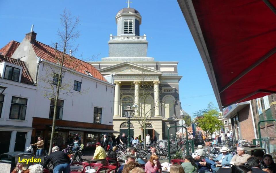Leyden – v tomto městě se narodil Rembrandt Každý obyvatel tu vlastní kolo. Je to zde nejpopulárnější dopravní prostředek. Součástí téměř každé silnic