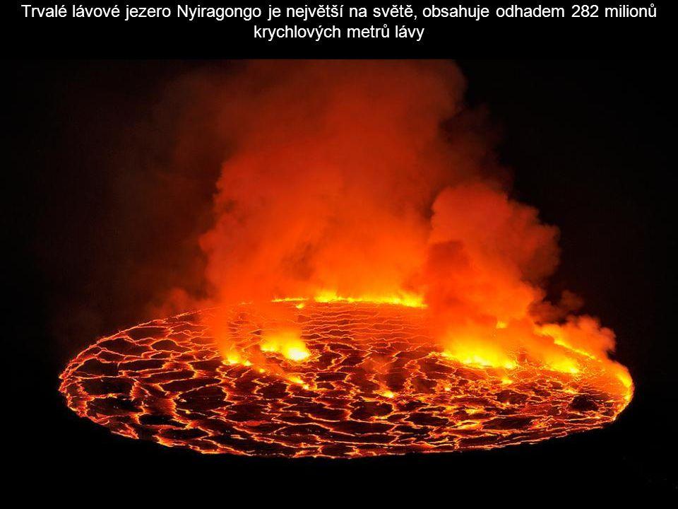 Pierre-Burgi plyn shromažďuje v dolní části kráteru