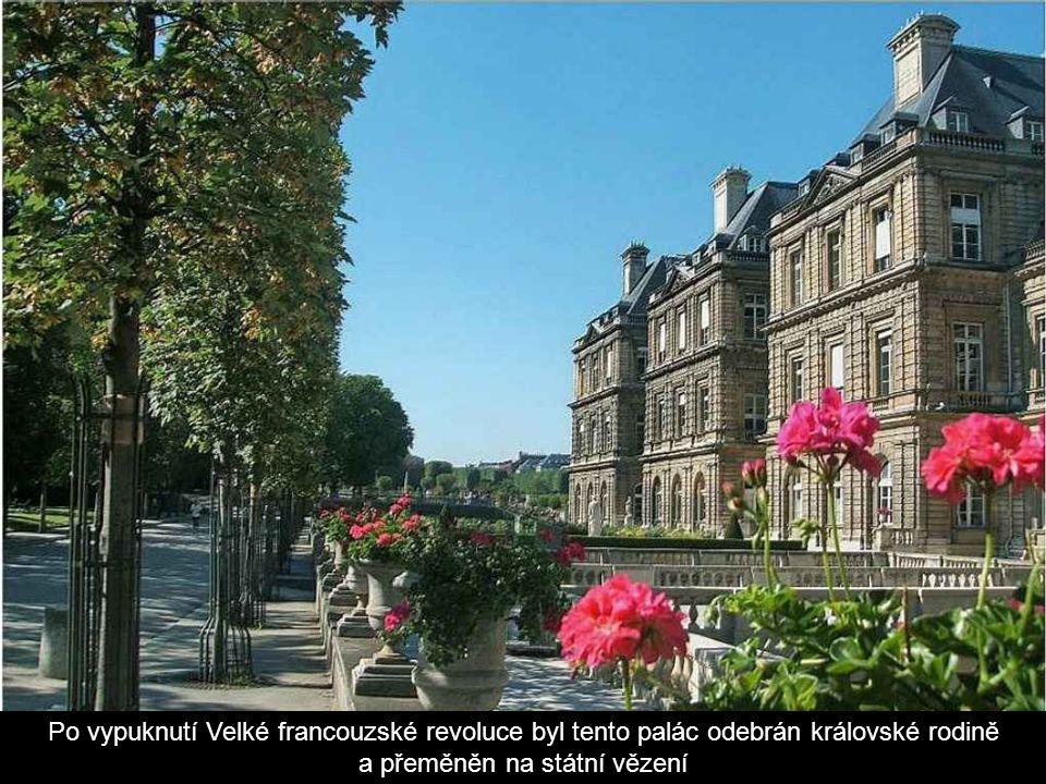 Po vypuknutí Velké francouzské revoluce byl tento palác odebrán královské rodině a přeměněn na státní vězení