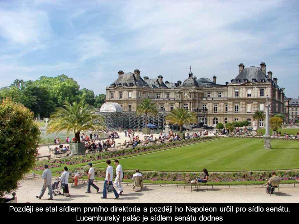 Později se stal sídlem prvního direktoria a později ho Napoleon určil pro sídlo senátu.