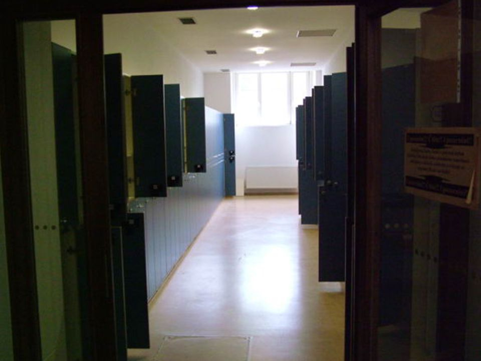 Vstupní hala Kontrolní bod Počítačové stanice Informační materiály Kopírovací stroj, scanner