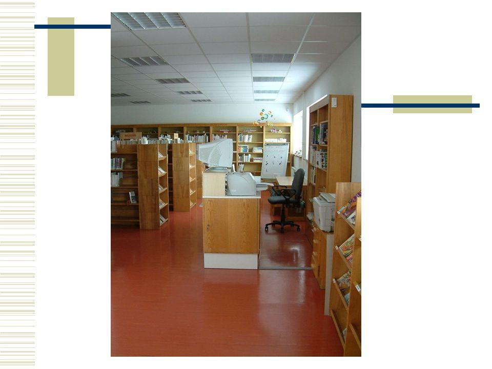 6. Zkušenosti z provozu knihovny  nevhodně využitý prostor (viz počet WC na obou patrech na úkor prostoru pro uložení fondu)