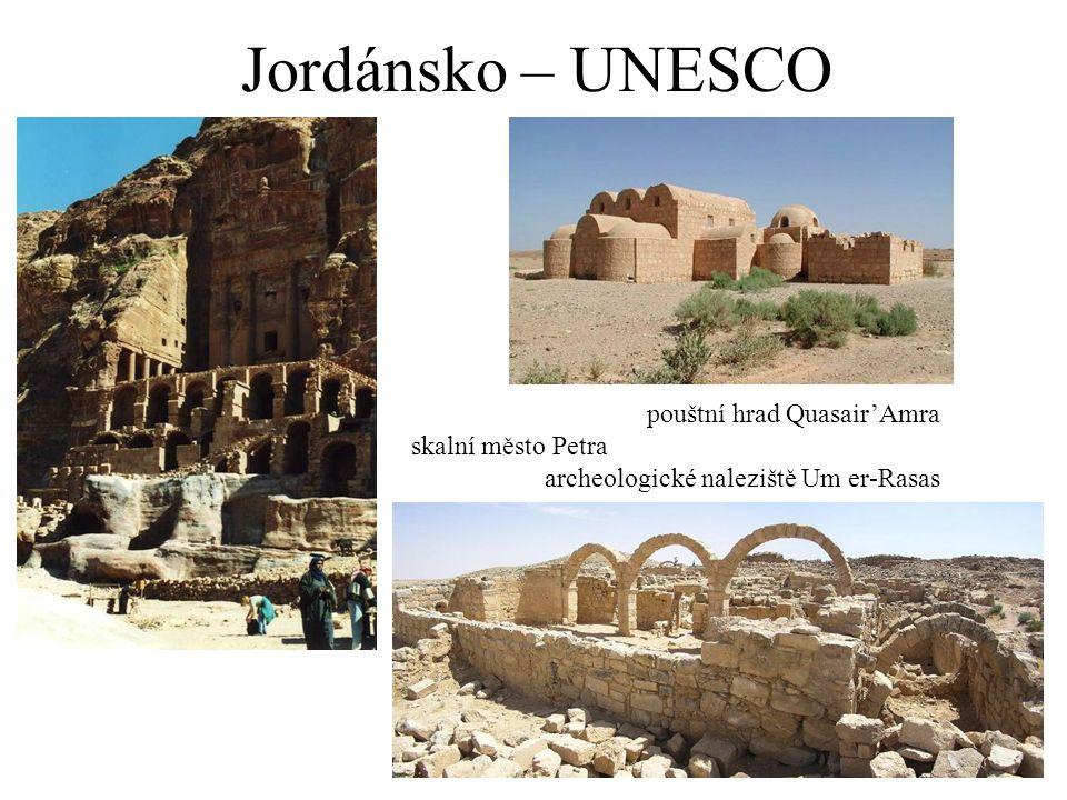 Jordánsko – UNESCO pouštní hrad Quasair'Amra skalní město Petra archeologické naleziště Um er-Rasas