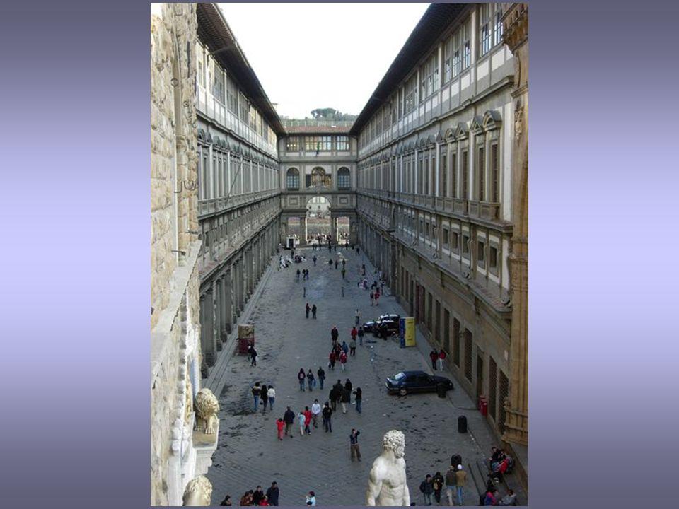 Galerie ve Florencii byla založena Lorenzem Medicejským.