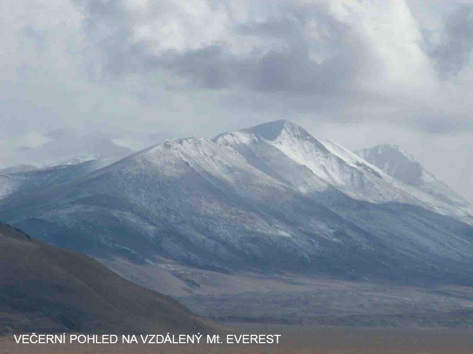 TIBETSKÁ DÁLNICE HIGHWAY VE VÝŠCE 4.600 m
